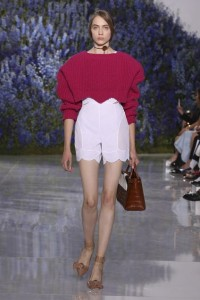 29-dior-spring-summer-2016-look-white-shorts-magenta-cable-knit-crop-sweater