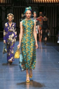 40-dolce-and-gabbana-spring-summer-2016-rtw-fashion-show-blue-yellow-midi-dres