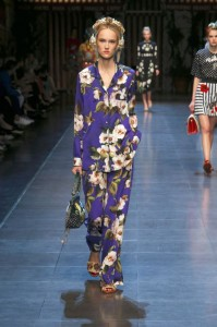 41-dolce-and-gabbana-spring-summer-2016-rtw-fashion-show-blue-floral-print-suit-silk