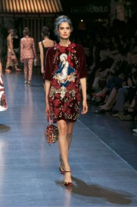 57-dolce-and-gabbana-spring-summer-2016-crimson-maroon-flower-applique-dress-bag-painting-jesus