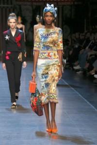 66-dolce-and-gabbana-spring-summer-2016-italian-architecture-print-dress-sorento-headscarf-handbag