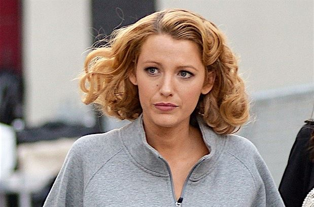 blake-lively-hairstyle-hair-trends-latest-curly-bob-ombre-color-bronde-1