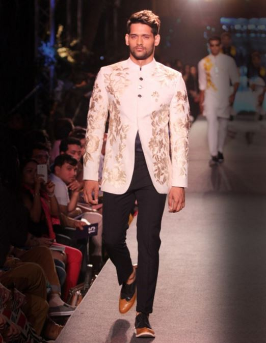 designer-wedding-dress-for-men-latest-winter-2015-2016-couture-groom-outfit-manish-malhotra-ivory-white-embroidery-jacket-bandhgala