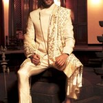 designer-wedding-sherwani-for-men-latest-trends-fall-winter-2015-2016-couture-groom-outfit-gold-nivedita-saboo