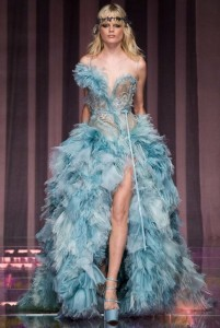 fall-2015-winter-2016-fashion-color-trends-atelier-versace-sky-blue-gown-slit-ruffle