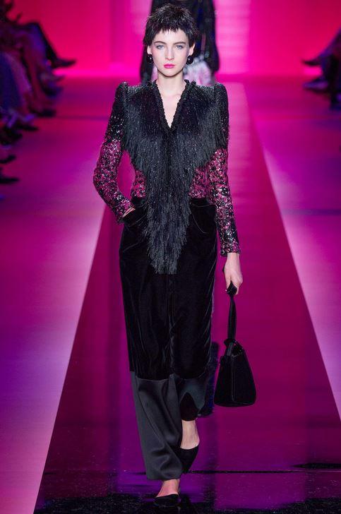 fall-2015-winter-2016-fashion-color-trends-runway-armani-prive-black-velvet-couture-fur-jacket