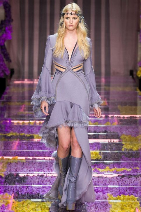 fall-2015-winter-2016-fashion-color-trends-runway-atelier-versace-grey-dress-gown-slit