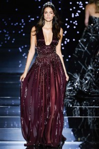 fall-2015-winter-2016-fashion-color-trends-runway-burgundy-gown-zuhair-murad-sequin