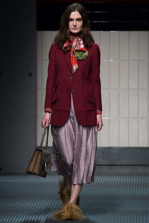 fall-2015-winter-2016-fashion-color-trends-runway-burgundy-gucci-jacket-rtw
