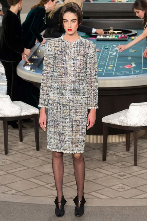 fall-2015-winter-2016-fashion-color-trends-runway-chanel-grey-skirt-suit-light-couture
