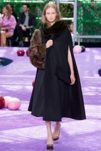 fall-2015-winter-2016-fashion-color-trends-runway-christian-dior-black-coat-jacket