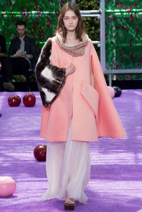 fall-2015-winter-2016-fashion-color-trends-runway-christian-dior-peach-coat-fur-jacket-sleeve