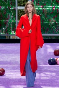 fall-2015-winter-2016-fashion-color-trends-runway-christian-dior-red-coat-jacket