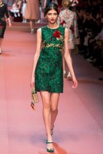 fall-2015-winter-2016-fashion-color-trends-runway-dolce-gabbana-green-mama-dress-rtw