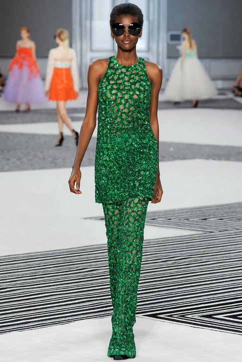 fall-2015-winter-2016-fashion-color-trends-runway-giambattista-valli-green-dress