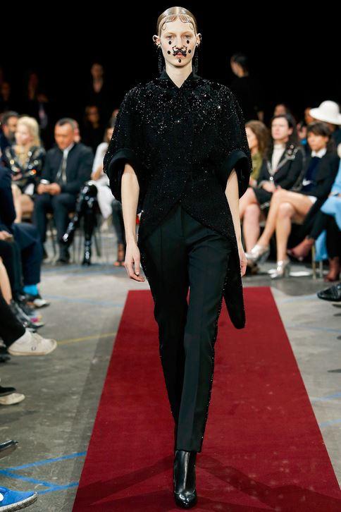 fall-2015-winter-2016-fashion-color-trends-runway-givenchy-black-pants-jacket