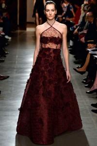 fall-2015-winter-2016-fashion-color-trends-runway-oscar-de-la-renta-gown-burgundy-best-top-beautiful