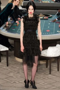 kendall-jenner-fall-2015-winter-2016-fashion-color-trends-runway-chanel-black-dress