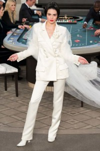 kendall-jenner-fall-2015-winter-2016-fashion-color-trends-runway-chanel-white-suit-pants