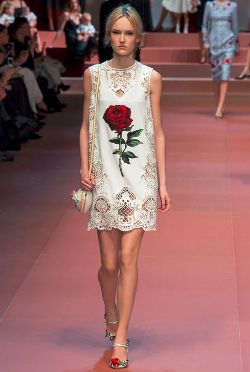kendall-jenner-fall-2015-winter-2016-fashion-color-trends-white-dolce-gabbana-rose-dress