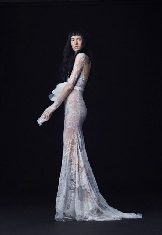 latest-bridal-dress-trends-gowns-white-fall-2015-winter-2016-couture-backless-vera-wang-sheer-lace