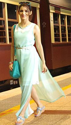 shilpa_ahuja_look_mint_green_dress_maxi_slit_train_australia