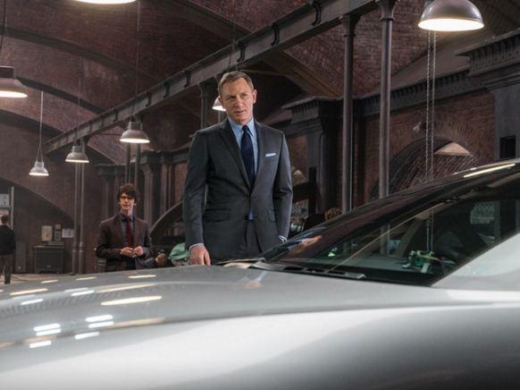Daniel-craig-james-bond-007-spectre-movie-looks-formal-look-blue-shirt-dark-blue-tie-grey-jacket-11