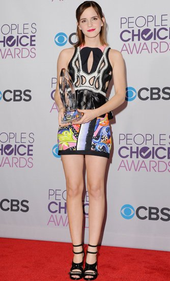 Emma-Watson-People-Choice-Awards-Red-Carpet-Style2