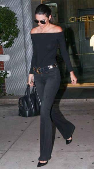 Kendall-Jenner-street-style-all-black-black-top-black-pants-black-sunglasses-black-shoes
