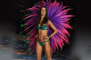 alessandra-ambrosio-victorias-secret-fashion-show-green-flower-lingerie-runway-sexy-model-2015-full