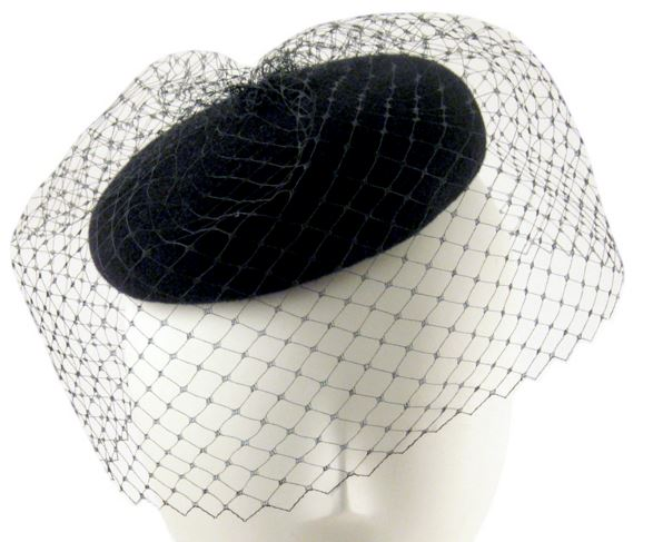 black-classic-veil-beret-hat-shopping