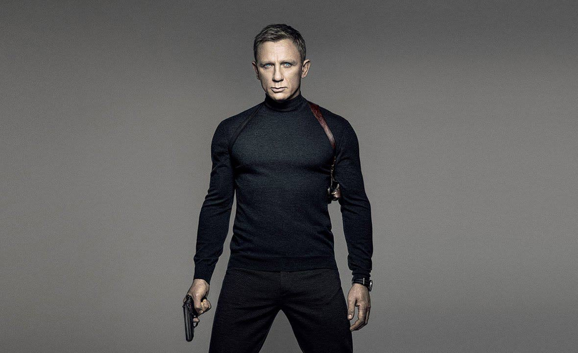 daniel-craig-james-bond-look-black-teepants-poster