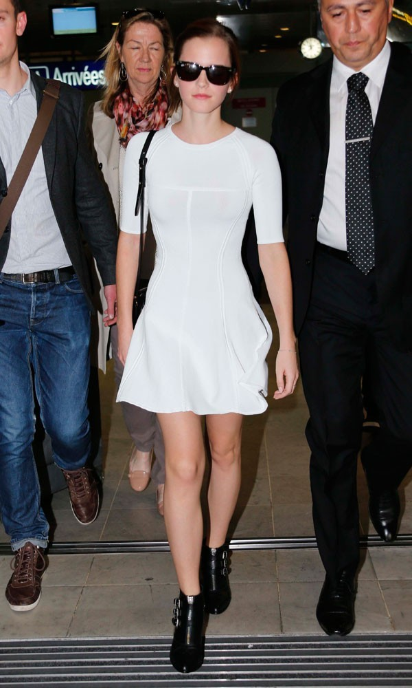Emma Watson Street Style: Best Travel Looks, Casual Outfits