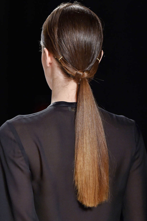 fall-2015-winter-2016-latest-top-hairstyle-trends-womens-erin-fetherston-fashion-week-low-ponytail-with-knot