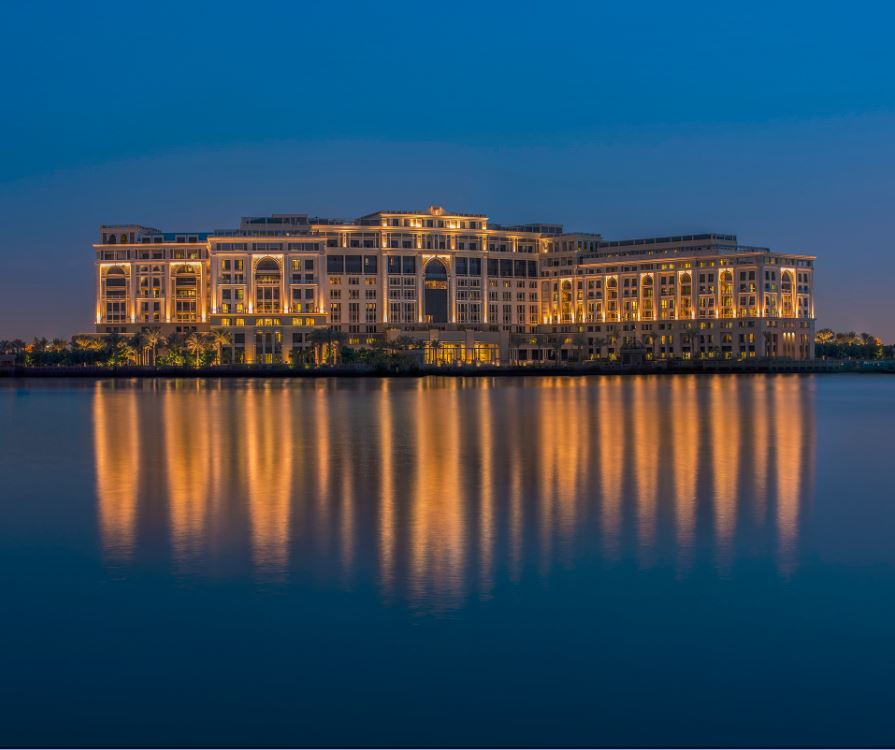 palazzo-versace-dubai-hotel-night-view-best-most-luxurious-uae-middle-east
