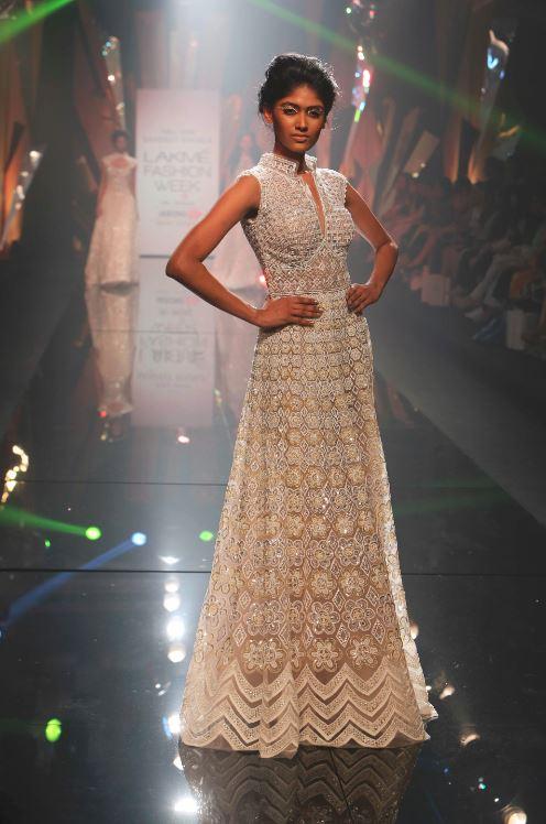 Abu-Jani-and-Sandeep Khosla-LFW-WF-2015-Ethereal-elegance