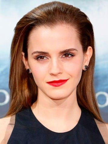 Emma-Watson-Hairstyle-back-straight-formal-party-look