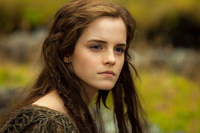 Emma-Watson-Hairstyle-barbaric-movie