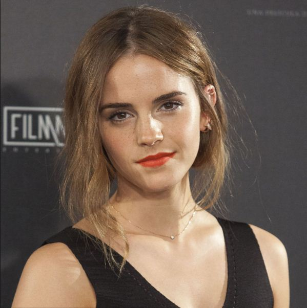 Emma-Watson-Hairstyle-bed-head-messy