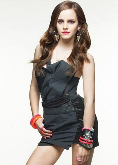 Emma-Watson-Jewellry-black-mini-dress-look-bangles-party-outfit