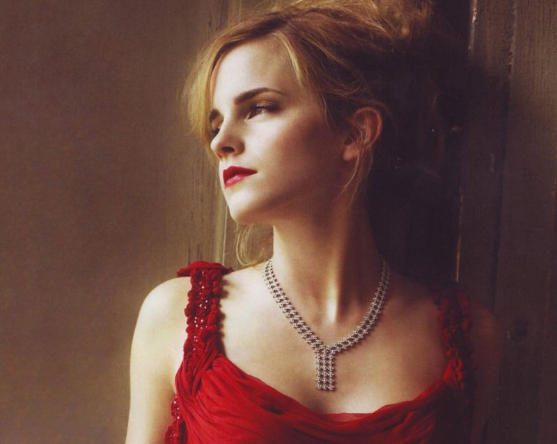 Emma-Watson-Jewellry-diamond-necklace