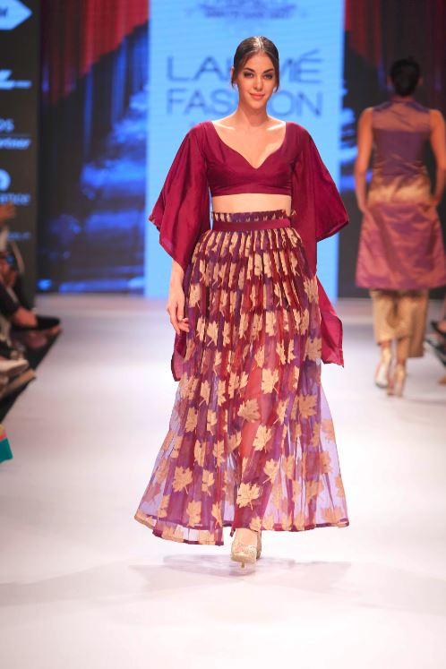 Shruti-Sancheti-LFW-2015-boho-chic-maroon-deep-berry-color-indian-wedding-dresses-designer-fashion