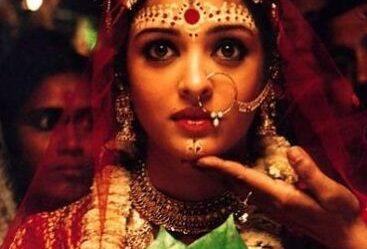 aishwarya-rai-bengali-bride-orissa-bridal-red-saree-jewelry-makeup-look-devdas