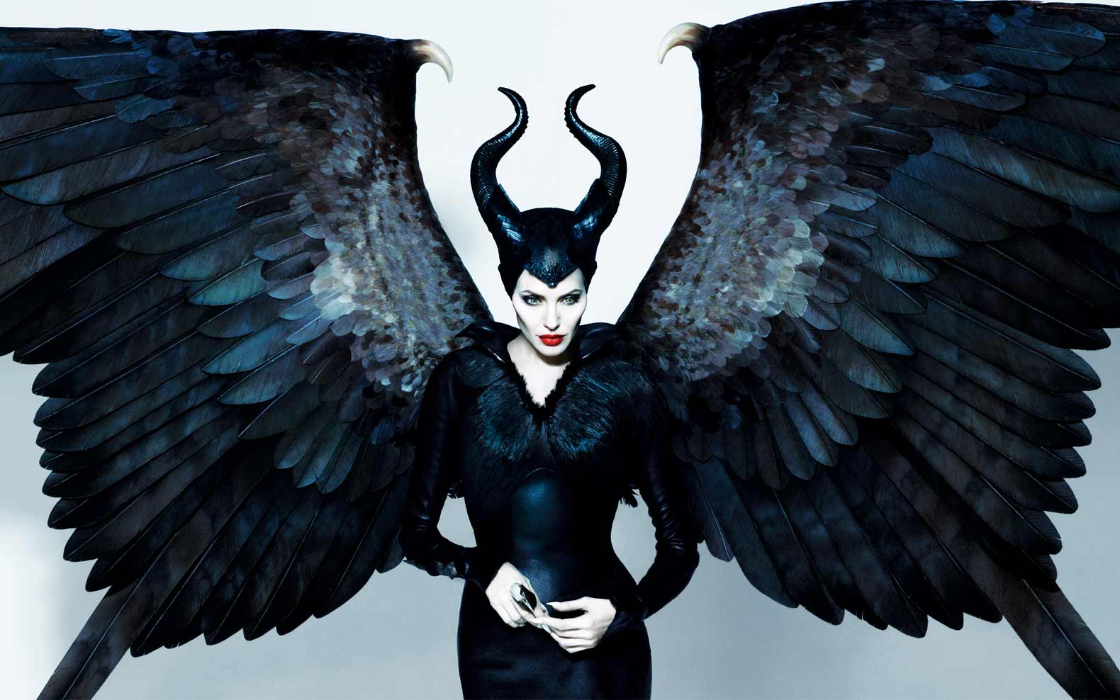 angelina_jolie_maleficent-hollywood-top-female-villain-costumes -halloween-ideas-  sc 1 st  Shilpa Ahuja & Top Female Superheroes and Villains Costumes in Hollywood