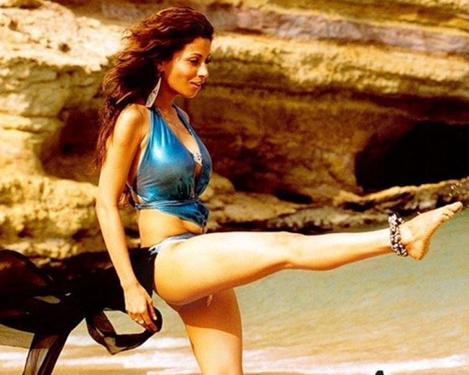 antara-mali-naach-metallic-bikini-bollywood-swimsuits