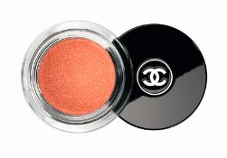 chanel-makeup-fall-autumn-2015-winter-2016-shimmer-party-peach-orange-eyeshadow-smokey