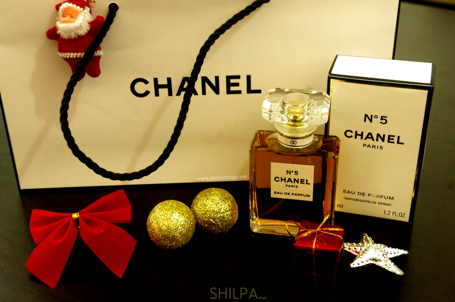 chanel-no-5-perfume-christmas-gift-festive-bottle-box-shopping