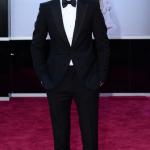 eddie-radmayne-tuxedo-look-slippers-slip-on-shoes-oscars-bow-tie-black-tuxedo