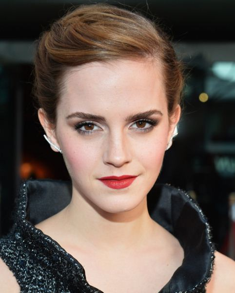emma-watson-makeup-party