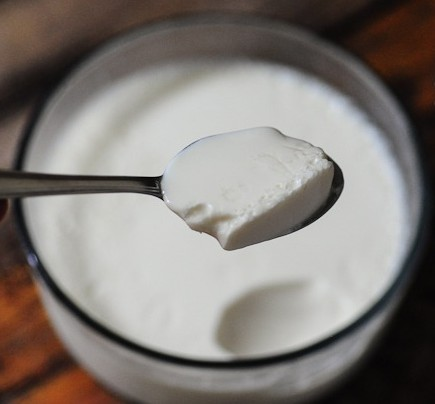 healthy-skin-beauty-tips-secrets-care-natural-homemade-remedies-easy-tricks-facial-curd-dahi